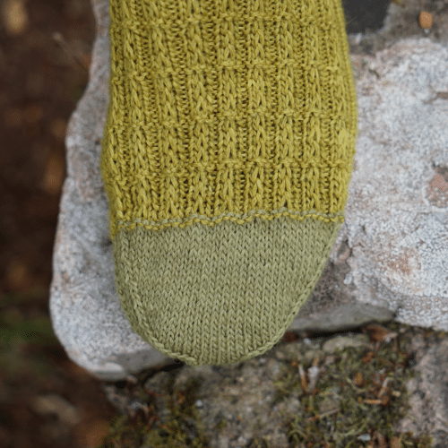 rosemary & pines fiber arts knitting pattern barre socks